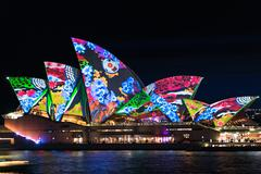 Sydney Opera House illumination Songlines During Vivid Sydney Fe Kuvituskuvat