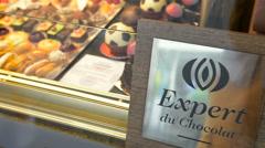 Expert du Chocolat - Choclate expert certificate Stock Footage