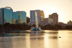 Orlando skyline sunset at lake Eola Florida US Kuvituskuvat