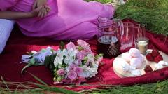 Romantic picnic sa nature Stock Footage