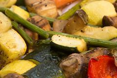 Healthy roasted vegetables Kuvituskuvat