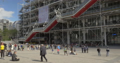 Queue at the entrance of Pompidou Centre in Paris Stock Footage