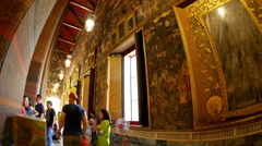 View of the interior of Wat Pho in Bangok Stock Footage