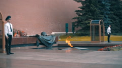 Eternal Flame at the Kremlin wall and the guards. Slow mo, slo mo Stock Footage