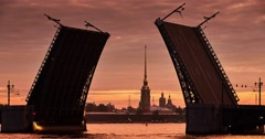 Palace Bridge is reduced, on the background of the Peter and Paul fortress, Petr Stock Footage