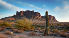 Time lapse of Superstition Mountains sunset Stock Footage