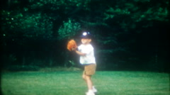 3420 boys throw the baseball around in backyard-vintage film home movie Arkistovideo