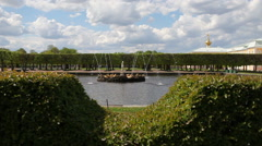 Fountain in the upper park of Peterhof Stock Footage