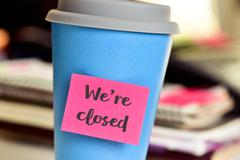 Text we are closed for in a mug Stock Photos