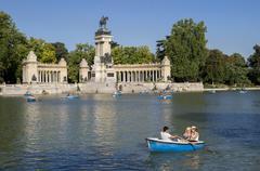 Boating lake, Retiro, Alfonso XII Monument, Madrid, Spain, Europe Stock Photos