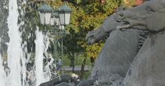 The fountain and the sculpture of horses in the Park Arkistovideo