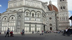 Carriage, bikes and tourists, Duomo, Florence Stock Footage
