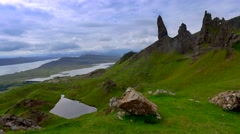 Dramatic cloud over Old man storr mountain in Scotland Stock Footage