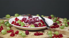 Pie berries dusted with powdered sugar white plate decorated fresh berries Stock Footage