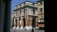 Vicenza - Palazzo del Capitanio through the arcades of the Basilica Palladiana Stock Footage