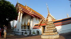 View of the Wat Pho palace in Bangok Stock Footage