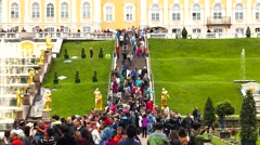 The movement of people the stairs in the Park Peterhof Stock Footage