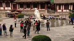 Tourists visit Huaqing hot springs in Xian, China. Stock Footage