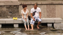 Сouple visits Huaqing hot springs in Xian, China. Stock Footage