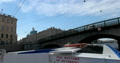 Tour of the canals of Saint Petersburg, Fontanka River, Izmaylovsky bridge Stock Footage
