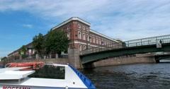 Tour of the canals of Saint Petersburg, Krasnoflotsky bridge, Moika river Stock Footage