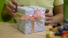 Male hands open gift box, 4k uhd 2160p Stock Footage
