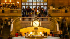 Time Lapse of Famous Grand Central Station Clock in New York City, USA - Zoom In Stock Footage