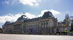 Cars moving in front of the Royal Palace in Brussels, 4K time lapse Stock Footage