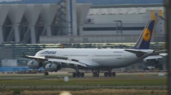 Airbus 340 landing in Frankfurt Stock Footage