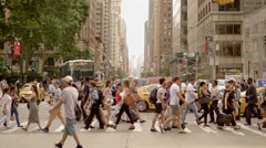People going home after work at rush hour time in new york city Stock Footage