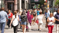 Large group of people crossing crowded city street. new york scenery Stock Footage