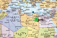 Green pin world map Kuvituskuvat