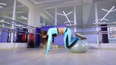 Woman doing exercise in the gym. Stock Footage