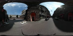 360Vr Video People on Maidan Nezalezhnosti Kiev City Day Arch Entrance to Old - stock footage