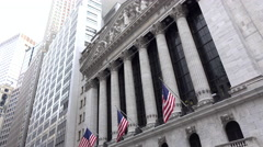 New York Stock Exchange building on Wall Street establishing shot 4k Stock Footage