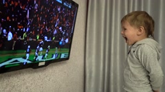 Baby-fan of American football Stock Footage