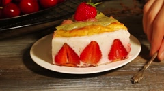 Cake with yogurt and strawberries Stock Footage