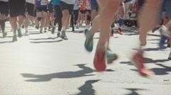 Hundreds running the Marahon, 30 seconds Stock Footage