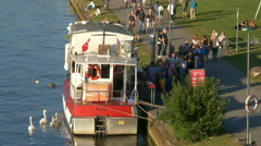 4K Frankfurt am Main Turkish Fish Döner Burger floating boat vendor river Main Stock Footage