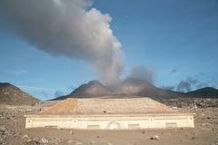 Plymouth Courthouse buried in lahar deposits from Soufriere Hills volcano, Stock Photos