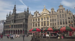 CLOSE UP: Amazing Town Hall, a popular crowded touristic spot at Grand Place Stock Footage