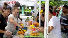 Lincoln Road, Fruit bar on Sunday's Farmers market Stock Footage
