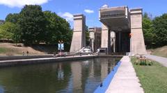 Peterborough lift lock on Tent severn waterway Stock Footage