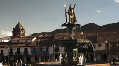 Fountain and statue of pachacuti in plaza de armas, cusco Stock Footage
