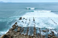 Surf ocean waves. Kuvituskuvat