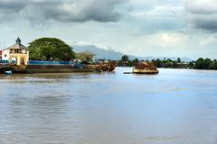 Construction of The Golden bridge on the Sarawak River in Kuching Stock Photos