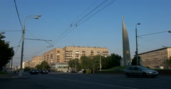 "Busy traffic Kutuzov Avenue, Obelisk ""Moscow - a city-hero"" Stock Footage"