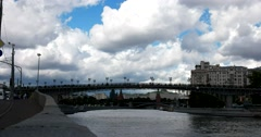 Beautiful clouds floating over the Kremlin and Moscow river, Patriarchal bridge Stock Footage