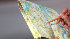 Traveler woman searching a route Stock Footage