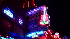 Live music saloons on Broadway in Nashville - the capital of country music Stock Footage